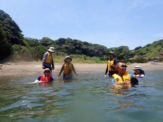 Osabe夫婦と泳ぐシーカヤックツアー