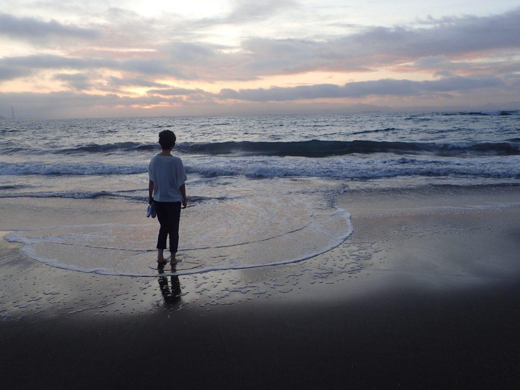 クスノキコータです。会社を辞めて、シーカヤックガイドとして海辺で暮す「恩恵」をますます感じている。ストレスが減り病気もしなくなった。